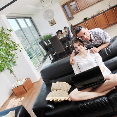 Bliv inspireret til at indrette din egen elegante stue