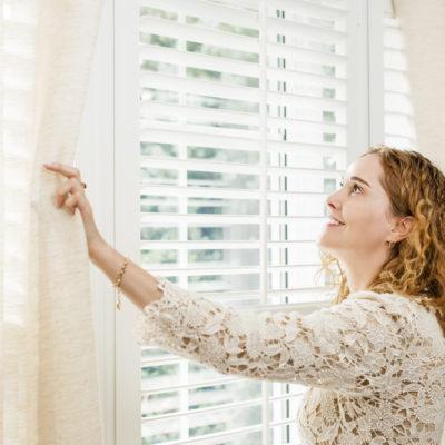 Din guide til solafskærmning i hjemmet – sådan vælger du den mest optimale løsning